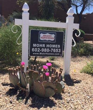 mohr homes sign